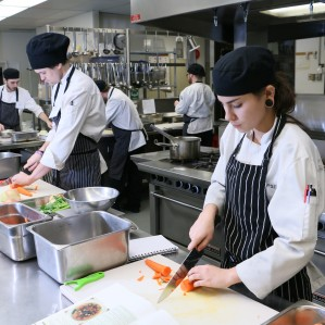 Earls restaurant kitchen staff are participating in a pilot project between the restaurant and Culinary Arts. The partnership is allowing the Earls staff to work towards Level 1 cook trainining certification.