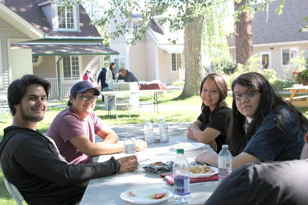 First Friends Feast welcomes students