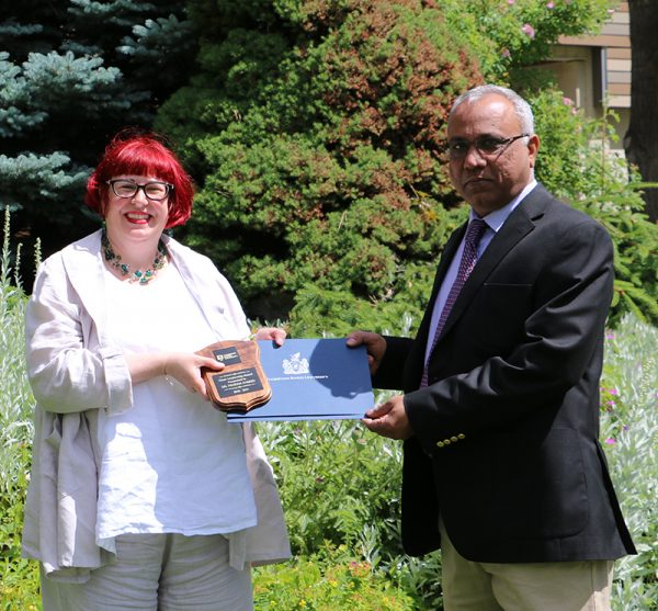 Dr. Ahmed receives Chair Leadership Award