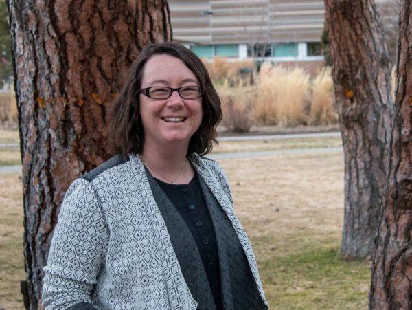 Communications instructor develops open textbook