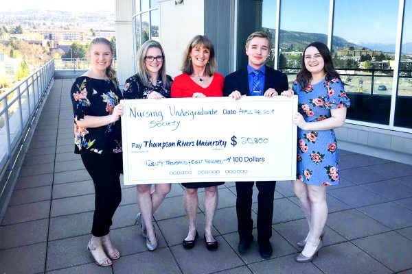 Dean of the School of Nursing, Donna Murnaghan, is joined by NUS members Mackenzie Byers, Gabrielle Fisher, Ben Aubrey and Makenzie Vandertoolen.