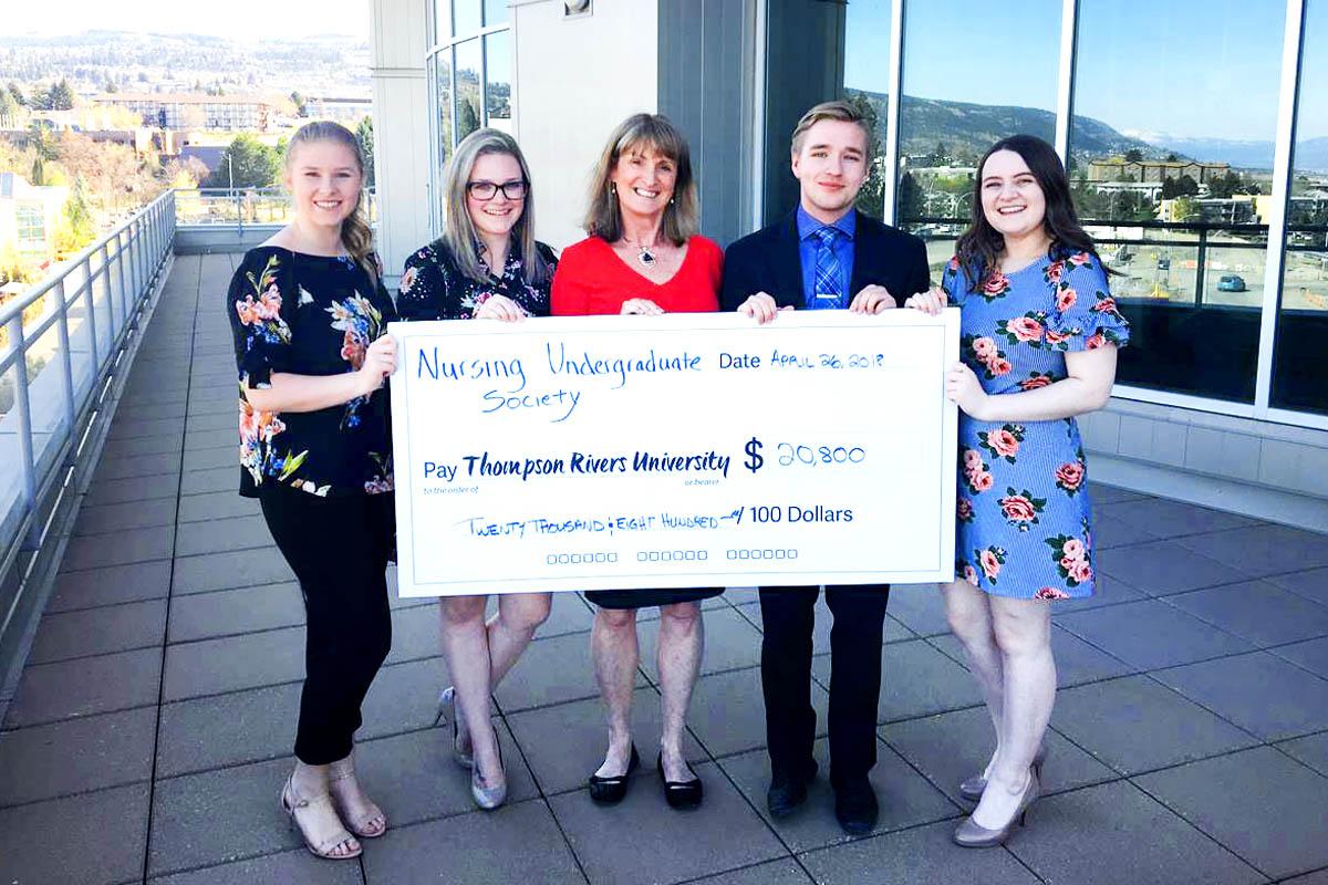 Dean of the School of Nursing, Donna Murnaghan, is joined by NUS members Mackenzie Byers, Gabrielle Fisher, Ben Aubrey and Makenzie Vandertoolen.