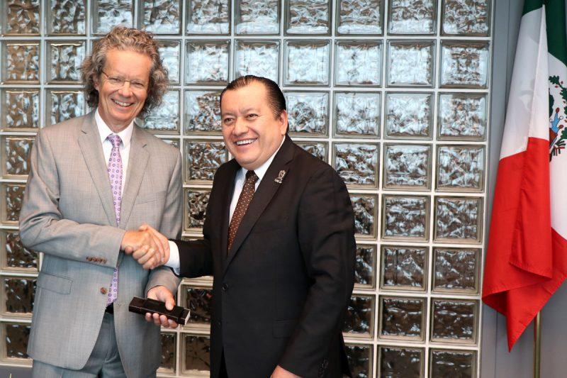 Alan Shaver and Javier Saldaña Almazán