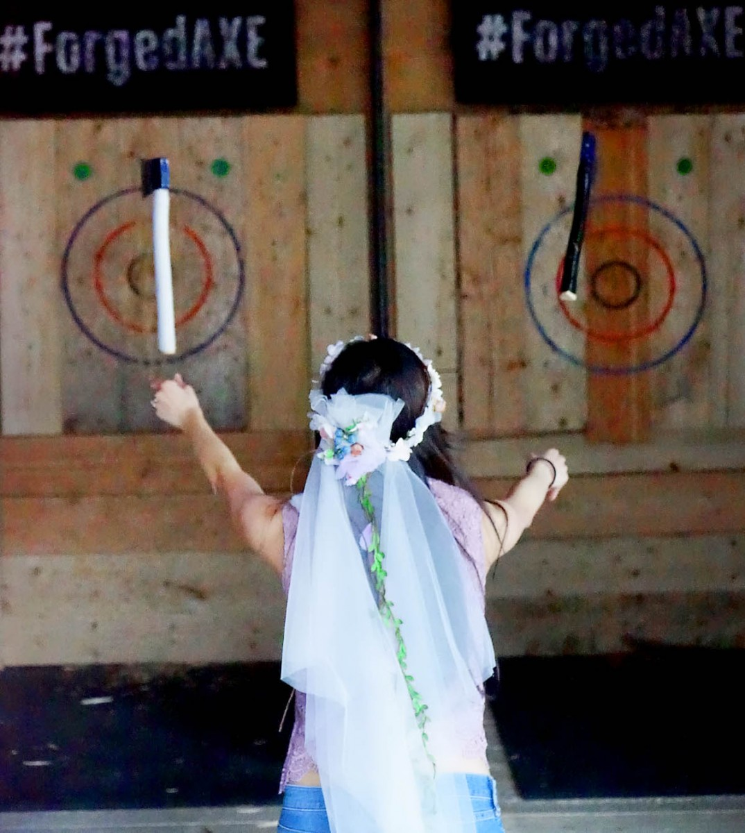 Forged Axe Throwing bride double axe throw