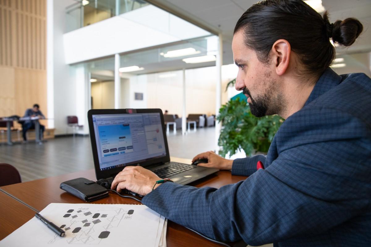 David Barroqueiro working on the Neoto platform