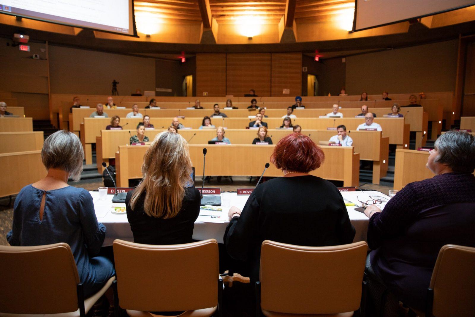 TRU Senate session